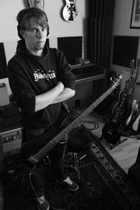 Rosenquarz-Studio 2012 - Angry Bass Man